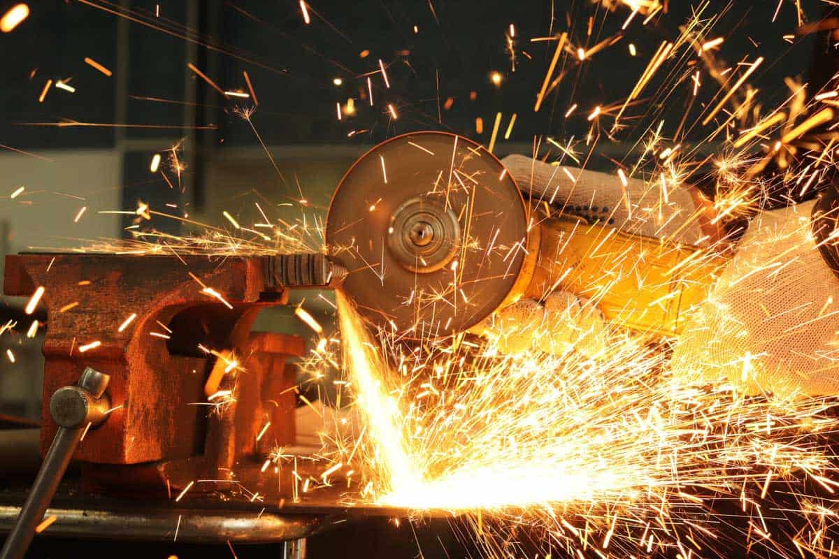 Structural-Steel-Metal-Fabricator-Contractor-in-Sydney-for-hire-for-shop-fit-outs